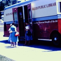 Columbia Students Visiting Bookmobile